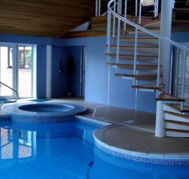 Pool, Spa & Stairs
