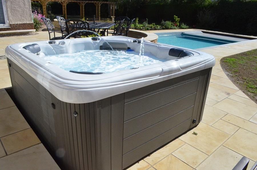 Hot Tub dealer northamptonshire