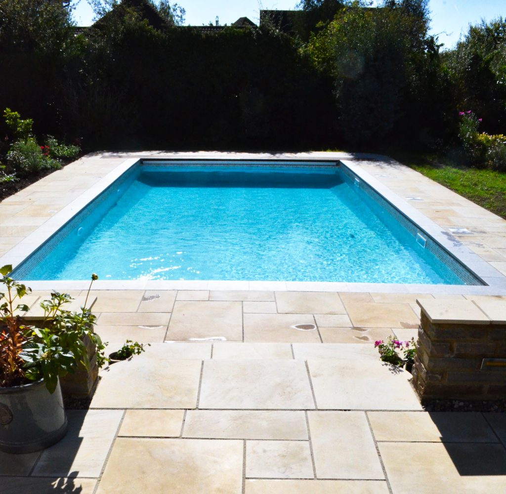 Pool cover installer northampton